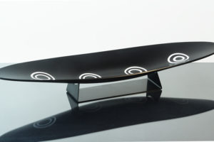 Piatto ovale nero Con Murrine Bianche
